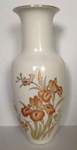 VTG Japanese FINE PORCELAIN  IRIS Flower Vase 24k Gold Hand Painted