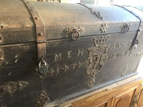 Antique Trunk Chest Travel Wood European Staten Island Pick Up 300 Years Old