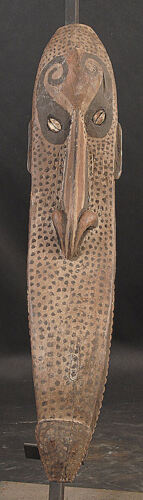 NARROW SNAKE LIKE ANCESTOR SPIRIT MASK  MIDDLE SEPIK RIVER   PAPUA NEW GUINEA