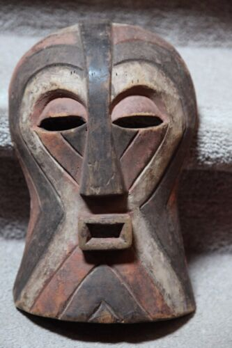 ANTIQUE AFRICAN SONGYE MASK FROM ZAIRE