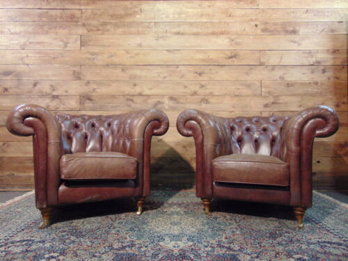 Coppia di Poltrone Chesterfield Vintage Inglese in Pelle Colore Marrone