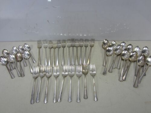41 Pc. 1881 Rogers Silverplated Luncheon Set for Projects 1939 Del Mar