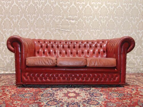 Divano Chesterfield 3 Posti Vintage Originale Inglese in Pelle Bordeaux