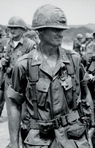 Vietnam War Col Hal Moore Distinguished Service Cross Grainy Glossy 8x10 PhotoPhotographs - 158435