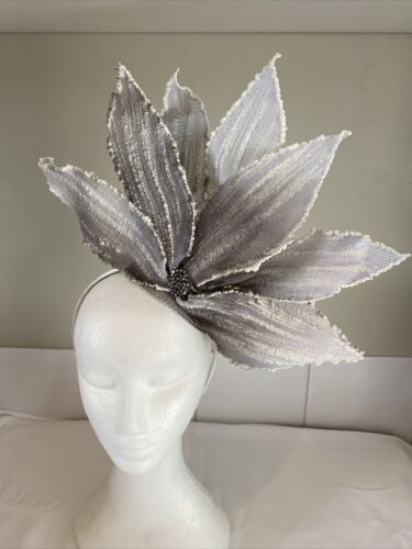 Large Grey Flower - Made in Aus - 0097