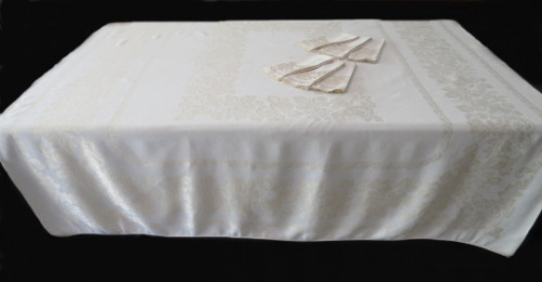 Vintage Ivory Damask Tablecloth With Six Napkins
