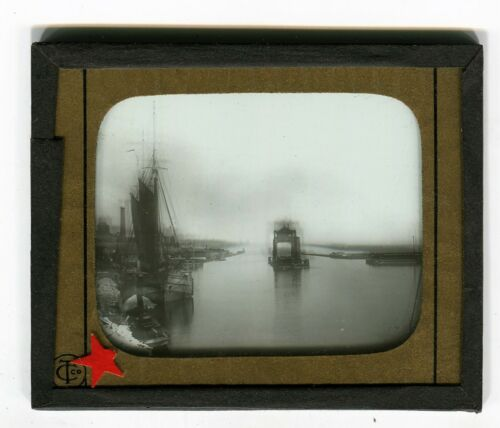 RARE Glass Slide CHICAGO RIVER  from Rush Street with boats