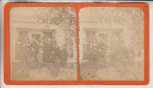 VINTAGE STEREOVIEW - GROUP OF PEOPLE - UNIDENTIFIED CATSKILL MOUNTAINS NY VIEW
