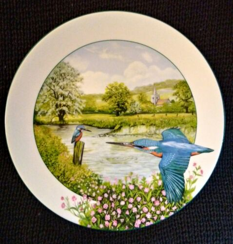 """Royal Doulton decorative plate """"The Riverside Kingfisher"""" collectors piece. Gift"""