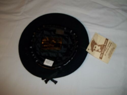 """BT-D04//11 Unlined Beret Navy with Leather Sweatband Size 7 3//4/"""""""