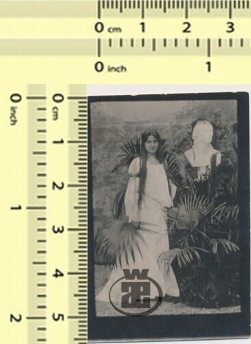 #004 Very Long Hair Girl Woman Lady Portrait with Face Bust Abstract old photo