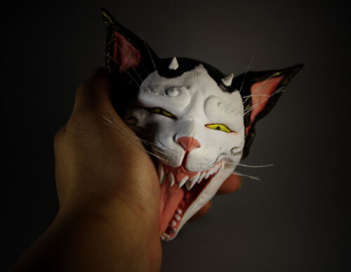 QH047 - 13 x 12 x 8 cm Hand Carved & Painted Boxwood Carving- Cat Monster Mask