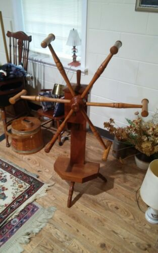Antique Yarn WInder Wheel Spinning With Counter Gears Neat Primitive Weaving