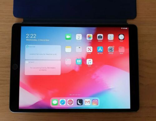 """Apple iPad Air 3rd Gen 256GB Wi-Fi 10.5"""" Space Grey + Leather Smart Cover + Boxs"""