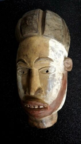 AUTHENTIC AFRICAN MASK - Mid Century Collectable -