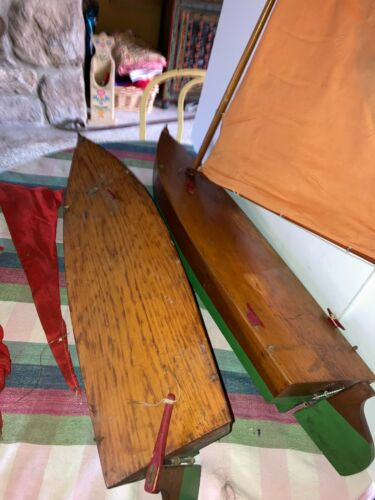 """Pair Antique Pond Boats Yachts 27"""" Long, 7 1/2""""Wide, 7 3/4"""" Lead Keel"""