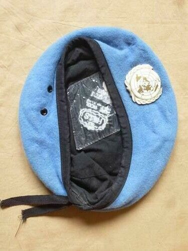 Beret bleu ONU avec insigne fabrication anglo saxonne taille 7 OPEX