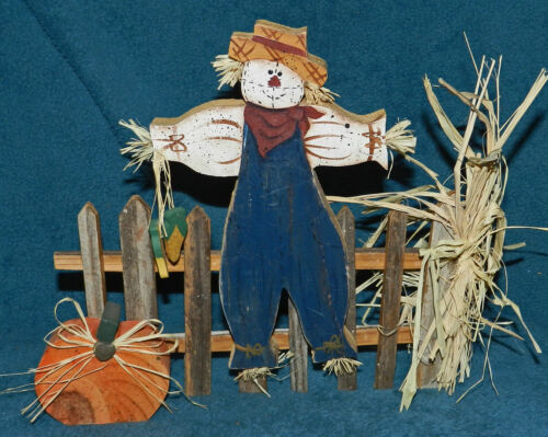 CUTE PRIMITIVE WOOD SCARECROW ON FENCE! THANKSGIVING/FALL!
