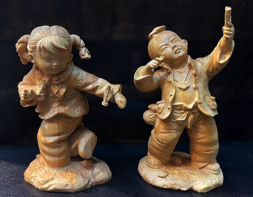 Q4462 -11 X 8X 6 CM Hand Carved Boxwood Figurine Carving: Childhood Boy and Girl