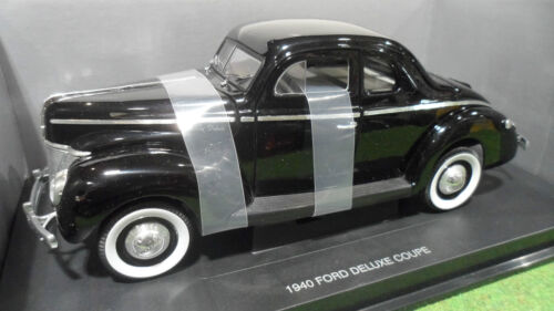 FORD DELUXE COUPE 1940 noire 1/18 UNIVERSAL HOBBIES 3801 voiture miniature coll.
