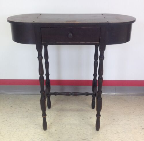 1920'S STICKLEY SEWING TABLE WITH SPINDLE LEGS AND ORIGINAL LABEL