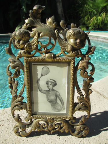Vintage Gilt Bronze Cherubs/Putti w easel selfstanding table picture frame