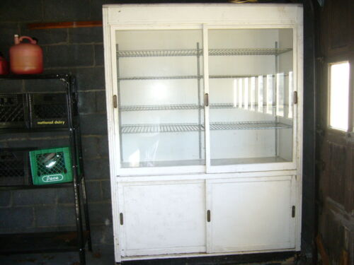 Vintage Large Wood Bakery/Donut Restaurant Display Cabinet w sliding doors/racks