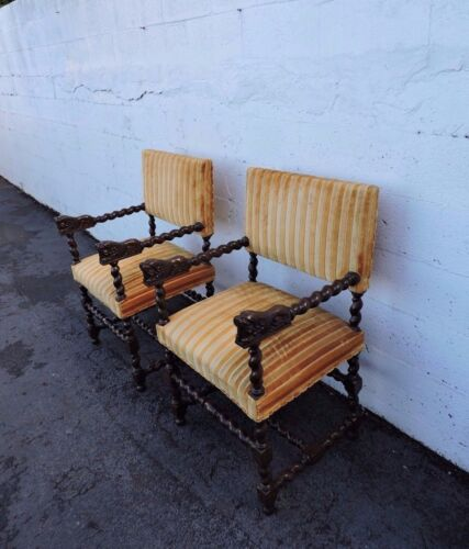 Pair of Carved Lion Spindle Legs and Arms Living Room Side by Side Chairs 7970
