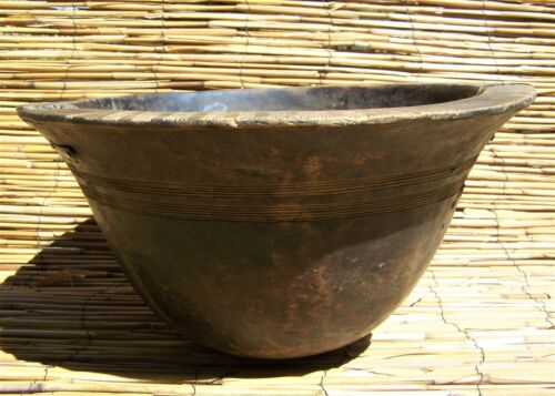 African Tuareg or Fulani Engraved wooden bowl from Mali or Nigeria