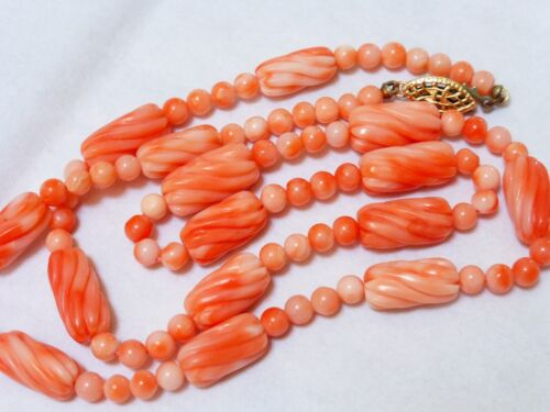 VINTAGE NATURAL CARVED ANGEL SKIN CORAL BEAD NECKLACE, 23g, 14kg plate calsp