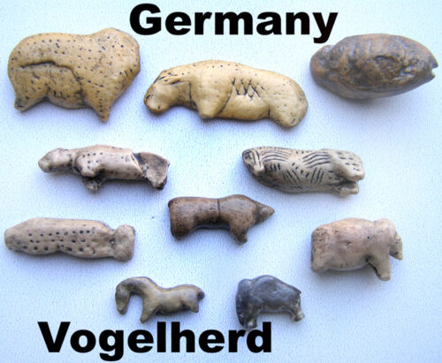 Serie of 10 paleolithic figurines from Vogelherd  - casts of resin Without pedes