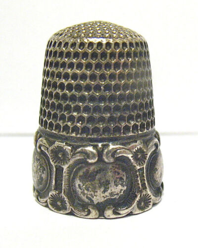 ANTIQUE STERLING SILVER THIMBLE WIDE RAISED BORDER INITIALS #9  5.9 GRAMS SYBOLL