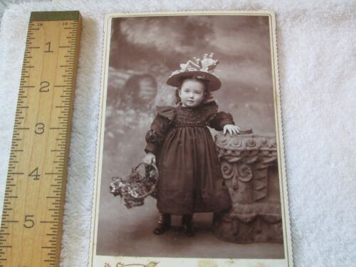 19 Victorian Photographs - !0 Children - Good Condition - 6 1/2 x 4 1/4""