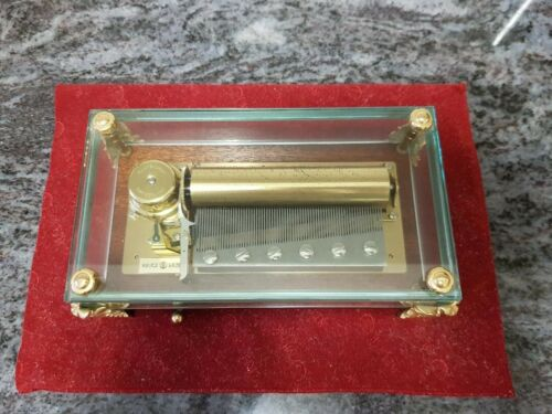 SWISS REUGE MUSIC BOX, CRYSTAL CLEAR GLASS CASE, 3 tunes by Beethoven, 72 notes