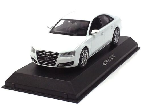 - KYO03811W - Voiture berline AUDI A8 couleur blanche -