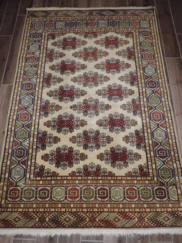 5x7ft. Handwoven Authentic Turkoman Bokharra Wool Rug