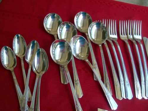 SILVERPLATE FLATWARE IS WM ROGERS SOVEREIGN 26 PC GRILL SERVICE FOR 6 FORK SPOON