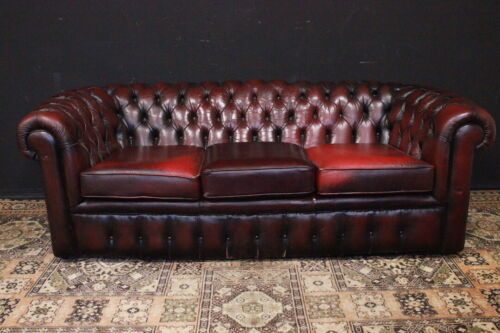 Divano tre posti Chesterfield / Chester / pelle bordeaux / rosso / originale UK