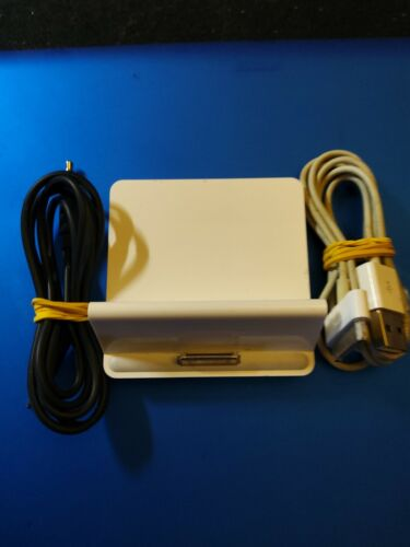 Apple ipad/ipod Dock A1352 With Line Out, 30pin Cable + 3.5mm cable included.