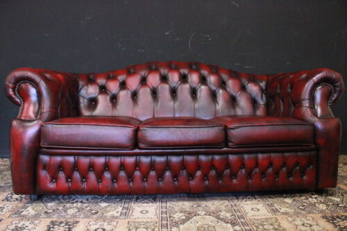Divano / Sofa / tre posti / Chesterfield Chester / pelle bordeaux / red leather