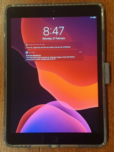 Ipad 7th gen tempered glass + Otterbox Cover A2197 128gb