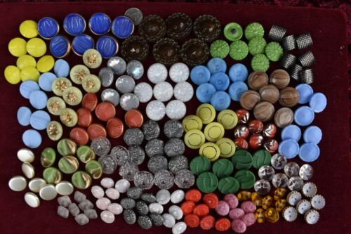 204 pcs LOT OLD CZECH  VINTAGE GLASS BUTTONS