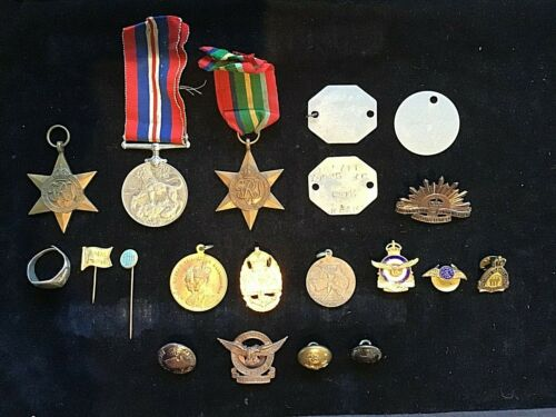 WW11 RAAF AUSTRALIAN PERSONAL MEDAL AND BADGE GROUP 158711 W.C. YOUNG 1939 - 1945 (WWII) - 13977