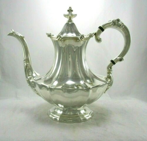 Old Vintage 1953 Reed & Barton Silver Plate Victoria Pattern Coffee Pot 6700