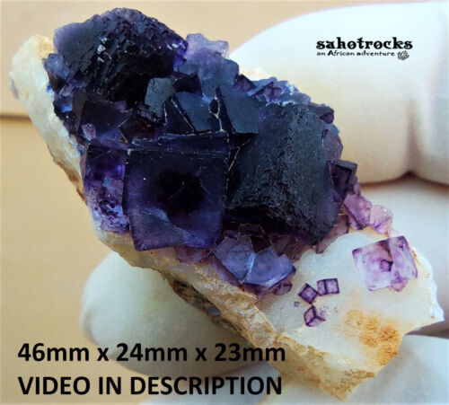 Fluorite and chalcedony - Orange River Warmbad Namibia