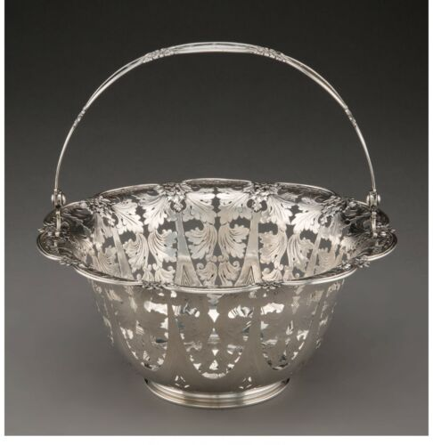 A105 A Tiffany & Co. sterling Silver Reticulated Basket, New York, 1908-1947