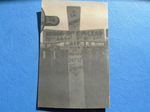 WW1-  photo / post card  of grave site 10966 Sgt Lear 1914 - 1918 (WWI) - 13962