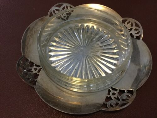 13.5cm diameter PARAMOUNT Lovelace SILVERPLATED trinket dish with glass liner