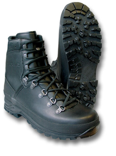 LOWA MOUNTAIN BOOTS, GERMAN-MADE, GORETEX-LINED, BLACK [04202]