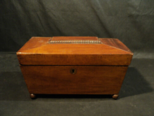 GREAT EARLY 19th CENTURY ANTIQUE ENGLISH REGENCY WALNUT TEA CADDY, c. 1800-1820